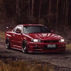 Precioso GTR rojo vía @skylinegoals | ClubJapo. Portal de coches japoneses