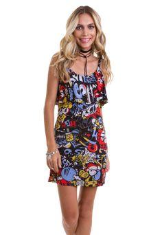 ed27b49f9 O vestido estampado de alça fina com babado da Manola é feito em liganete.  Esse