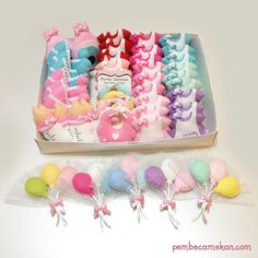 PEMBE CAMEKAN - Keçe Tasarım Atölyesi - Hediye Dükkanı (sipariş e-posta: pembecamekan@hotmail.com ): AYŞE BEGÜM BEBEK ŞEKERLERİ Felt Crafts Patterns, Felt Baby, Baby Keepsake, Felt Brooch, Diy Hair Bows, Baby Decor, Baby Shower Favors, Baby Sewing, Diy Hairstyles