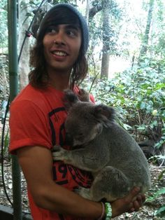 vic fuentes + koala Never been this jealous of a koala in my life // that comment made me laugh so hard!