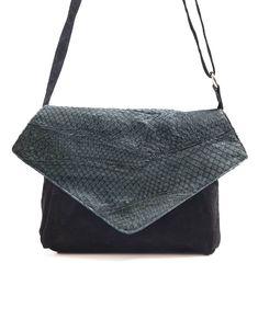 1c02707b4 Bolsa de couro de peixe carteiro Sally preta - LEPRERI - fish leather  Messenger handbag black