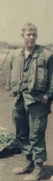 Virtual Vietnam Veterans Wall of Faces | LEWIS W MOORE | MARINE CORPS