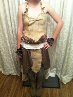10 hot khaleesi costumes that will make you want to bend the knee khaleesi solutioingenieria Choice Image