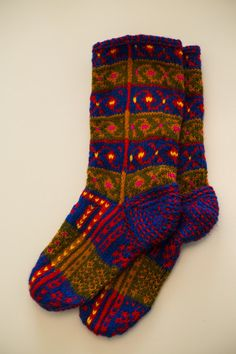 Dzhurabi – Caucasus Mountain Knits Caucasus Mountains, Handmade Clothes, Socks, Knitting, Knits, Collection, Products, Art, Fashion