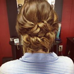 Curly Taylor swift updo