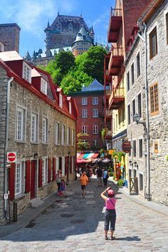 the tourist - Quebec, Quebec. oui j'aime Québec! Been there! It's a really cool place!