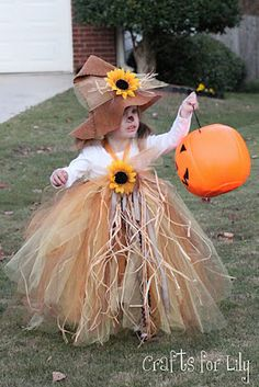 scarecrow costume for little girl... too cute now I just need this baby peanut to be a little girl ;)