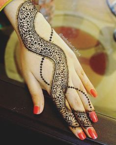 New design Tutorial➡️youtube➡️mehndiartist_hira #henna #henna_i #hennaart #hennadesign #hennalove #hennaartist #hennatattoo #wakeupandmakeup #mehndi #mehndinight #mehndilove #mehndidesign #mehnditattoo #mehndiartist #mehndimanchester #hennamanchester #hennaoftheday #mehndi_by_hayat #mehndijewelry #fashion #hudabeauty #monakattan #zukreat #hennapics #makeupsocial #beautiful #girlyhenna #hennainspire #hennajewelry
