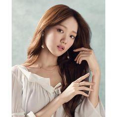 Park Shin Hye, Korean Beauty, Asian Beauty, Sung Hyun, Kim Bok Joo Lee Sung Kyung, Cl Fashion, Korean Fashion, Weightlifting Fairy Kim Bok Joo, Korean Celebrities