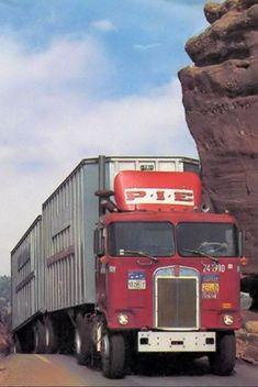 Big Rig Trucks, Tow Truck, Semi Trucks, Old Trucks, Freight Transport, Truck Transport, Kenworth Trucks, Peterbilt, Freight Truck