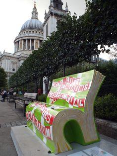Book bench, London 2014 This photo is sponsored by Italian Aurora  http://www.excalibooks.com/Ebook/I/Ferraresi_Andrea_Paolo/Italian_aurora/9788891129550    e da Veni Vidi Vici Bici! da 0 a 139 anni     Qui trovi il video alla presentazione del libro  http://youtu.be/UYG_MWODUpE http://www.excalibooks.com/Ebook/I/Ferraresi_Andrea_Paolo/Veni_vidi_vici_bici_Da_0_a_139_anni/9788891138194  http://venividivicibicida0a139anni.blogspot.com
