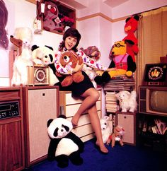 Japanese Funtime Now Retro Girls, Vintage Girls, Retro Vintage, Nostalgic Images, Retro Ads, Vintage Japanese, Historical Photos, Good Music, Pop Culture