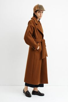 Oversized coat with an attached belt, viscose lining and lapel collar. Cut from a luxurious wool blend. Colour: copper Material: wool polyamide other fibres Fabric: Italian Model is and wears size S. Italian Models, Copper Material, Oversized Coat, Wool Blend, Fabric, How To Wear, Jackets, Illustration, Dresses