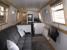 I'd love to have the inside of our narrowboat white like this one. Small Space Living, Tiny Living, Small Spaces, Narrowboat Interiors, Cabin Interiors, Canal Boat Interior, Barge Interior, Dutch Barge, Kids House