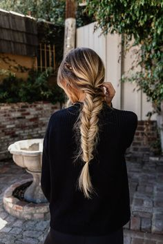 Embracing Change with Herbal Essences – Easy Fishtail Braid Hairstyle, Long hair… - Hair Styles Easy Fishtail Braid, Fishtail Braid Hairstyles, Box Braids Hairstyles, African Hairstyles, Fishtail Braid Wedding, Wedding Hairstyles, Long Braided Hairstyles, Half Braid, Easy Updo
