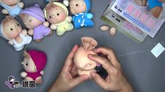 Muñecas hechas con medias (no esta en ingles ni español pero es muy facil de entender)