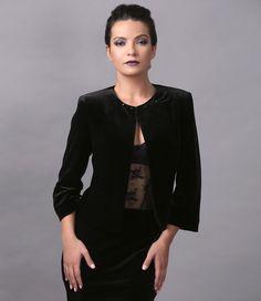 This fall, we love velvet! Swarovski, Your Style, Peplum, Kimono, Bomber Jacket, Velvet Jacket, Blazer, Beauty Women, Fall