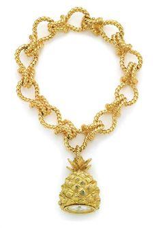 gold vedura bracelet watch