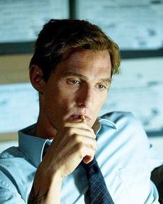 Matthew McConaughey as Rustin Cohle in True Detective True Detective Rust, True Detective Season 1, Kino Film, Photography Poses For Men, We Movie, Matthew Mcconaughey, Cultura Pop, American Actors, Dream Guy