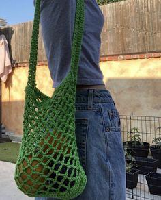 Diy Crochet Projects, Crochet Crafts, Crochet Yarn, Crotchet, Crochet Clothes, Diy Clothes, Crochet Designs, Crochet Patterns, Mode Crochet