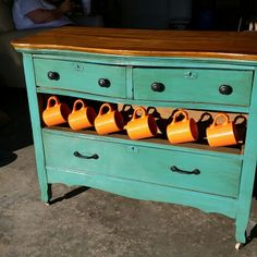 Re-purposed dresser turned into a coffee bar - Küche - Bar Furniture, Refurbished Furniture, Repurposed Furniture, Furniture Projects, Furniture Making, Furniture Makeover, Home Projects, Painted Furniture, Dresser Repurposed