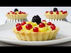 Mini tarte cu fructe (CC Eng Sub) Pastry And Bakery, Pastry Cake, Savoury Cake, Savoury Dishes, Romanian Desserts, Cake Recipes, Dessert Recipes, Jam Tarts, Delicious Desserts