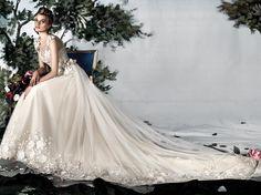 La collezione di abiti da sposa Couture di Carlo Pignatelli è dedicata a quelle spose che vogliono puntare sul colpo di scena. E solo una creazione dalle
