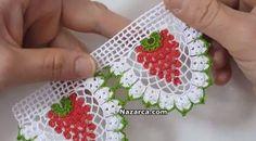 Cute strawberry edging, video in Turkish but I think you can just watch what she's doing. Crochet Edging Patterns, Vintage Crochet Patterns, Crochet Borders, Crochet Stitches, Crochet Trim, Filet Crochet, Hand Crochet, Knit Crochet, Crochet Leaves