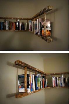 Boekenplank van oude ladder