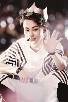 ATTENTION: I (super curry) have helped to create a xiumin interest board because surprisingly there wasn't one yet so if you are interested in our baozi xiumin follow it!!!!