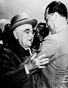 JK e Vargas na inauguração da Mannesmann, 12/8/1954