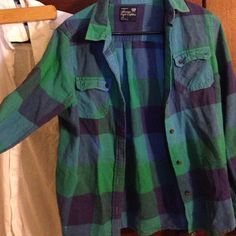 FLASH SALE AE flannel Gently worn goes with anything nothing wrong with it says large fits like a medium American Eagle Outfitters Tops Button Down Shirts