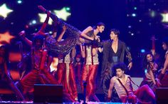 Deepika and SRK Dance Performance at SlamTheTour