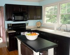 Confessions of a Semi-Domesticated Mama: How To Gel Stain Your Kitchen Cabinets