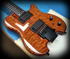 Carvin HH-2 headless guitar