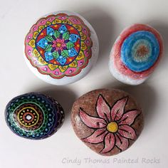 Painting Rock & Stone Animals, Nativity Sets & More: Rock Art Handbook: Techniques and Projects for Painting, Coloring and Transforming Stones Pebble Painting, Pebble Art, Stone Painting, Painted Rocks Craft, Hand Painted Rocks, Rock Crafts, Arts And Crafts, Rock Hunting, Nativity Sets
