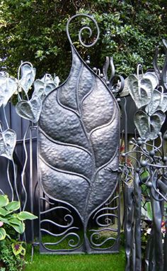 """"""" Open Sesame""""..   Crap """"Open weird leafy looking gate object thingy ..   """". Poof.. Magic !!"""