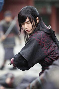 Yoo Seung Ho in_Warrior Baek Dong Soo_  2011 Yeo Woon
