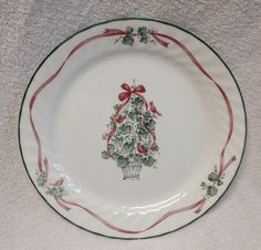 Corelle CALLAWAY HOLIDAY Dinner Plate IVY RIBBONS Christmas swirl edge white EUC #Corning