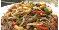Y'a longtemps que je n'avais pas mangé un aussi bon macaroni chinois et je suis certaine qu'il plaira à toute la famille. J'ai pris la re... Easy Chinese Recipes, Asian Recipes, Ethnic Recipes, Gf Recipes, Cooking Recipes, Confort Food, Macaroni Recipes, Food To Make, Meal Prep