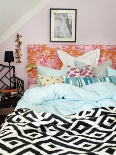 mixed patterns in the bedroom.  home decor.  interior decorating.  girls bedroom.  guest bedroom.