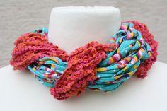 #Loop #Wickelschal #Textilgarn #türkis #pink #Loopmania Hier ein Exemplar aus der Kollektion Loopmania aus der Gruppe der Wickelschals. Diese werden aus dickerem Garn mit einer speziellen Technik...