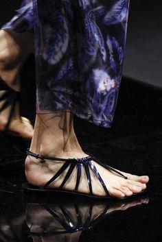 Giorgio Armani Spring/Summer 2017 Ready-To-Wear Details | British Vogue