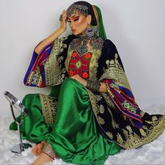 Afghani Clothes, Afghan Girl, Afghan Dresses, Beautiful Costumes, Pakistani Suits, Saree Styles, Boho Gypsy, Traditional Dresses, Indian Fashion