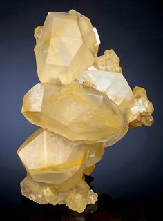 """hematitehearts: """"  Calcite with distinctive axially aligned zoning Locality: Leiping Mine, Leiping, Guiyang Co., Chenzhou Prefecture, Hunan Province, China. """""""