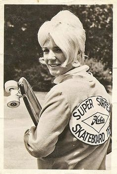 sometimes i feel sad about giving my skateboard away when i was i could be the next patti mcgee. Old School Skateboards, Vintage Skateboards, Patti Mcgee, Skateboard Girl, Skateboard Pictures, Vintage Surf, Hang Ten, Skater Girls, Longboarding
