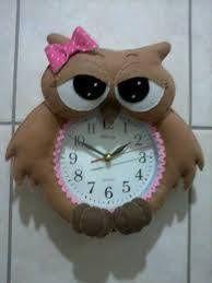 FELTRO MOLDES ARTESANATO EM GERAL: CORUJA RELÓGIO COM MOLDES  so cute, great for a child's rooms, owl clock pattern no 1