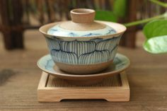 Hand-Paintted-Lotus-Pattern-Yixing-Clay-Coarse-Pottery-Gaiwan-150ml