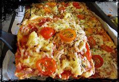 VillaTuta : Pellillinen pizza al`a bolognesea Sandwich Melts, Good Gravy, Deli Ham, Game Day Food, Ham And Cheese, Easy Meals, Easy Recipes, Hawaiian Pizza