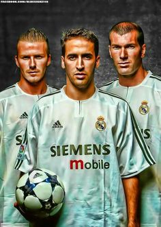 Tridente galáctico Raul Real Madrid, Barcelona Vs Real Madrid, Real Madrid Club, First Football, Best Football Team, World Football, Football Art, Zinedine Zidane, Real Mardid